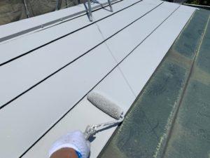 加須市屋根外壁塗装 屋根下塗り