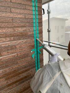 久喜市 外壁塗装 コーキング打ち込み