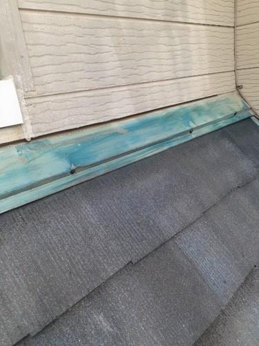 鴻巣市 屋根塗装 雨押え補修 ビス頭コーキング